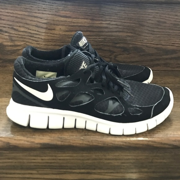 Men's Nike Free Run 2 BlackWhite Running Shoes